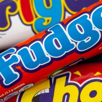 cadbury-fudge-curlywurly-packaging-design